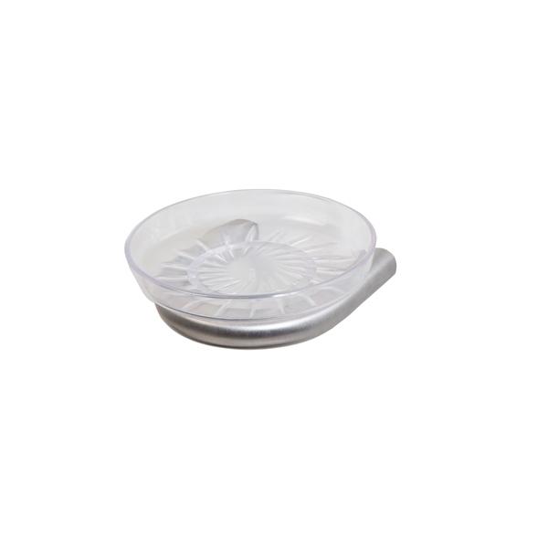 Saboneteira concebida para sabão sólido.